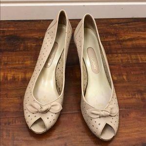 vintage cream nude heels wedges 9 bow pumps